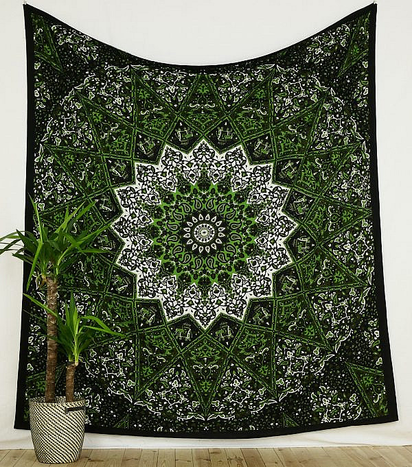 Wandtuch Stern Mandala schwarz grün