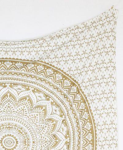 Großes Wandtuch mit gold Mandala auf Stoff in weiß