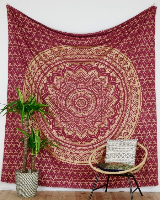 Großes Wandtuch mit Ombre Mandala dunkelrot gold