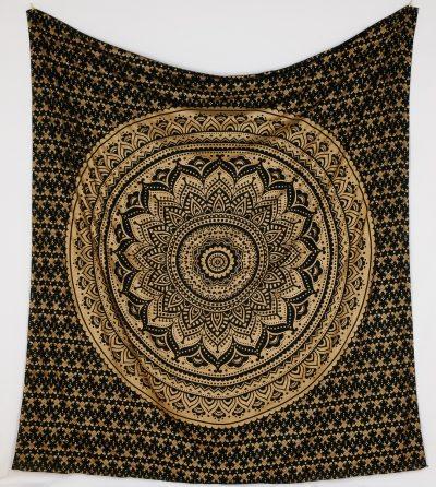 Großes Wandtuch mit Ombre Mandala schwarz gold