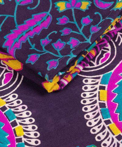 Großes Wandtuch mit Pfauenfeder Mandala in bordeaux gelb rosa