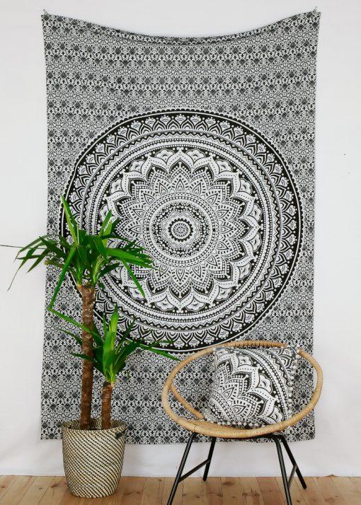 Wandtuch Ombre Mandala schwarz