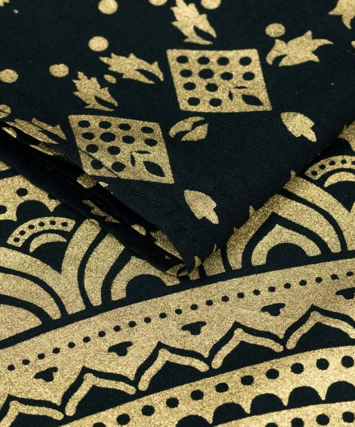 Kleines Wandtuch Ombre Mandala schwarz gold