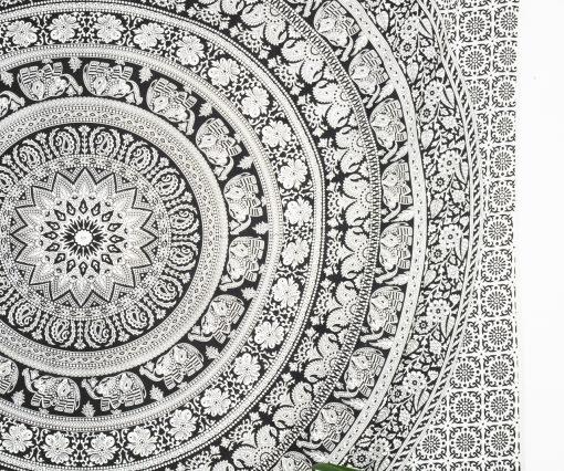 Indisches Wandtuch mit Elefanten Mandala in schwarz
