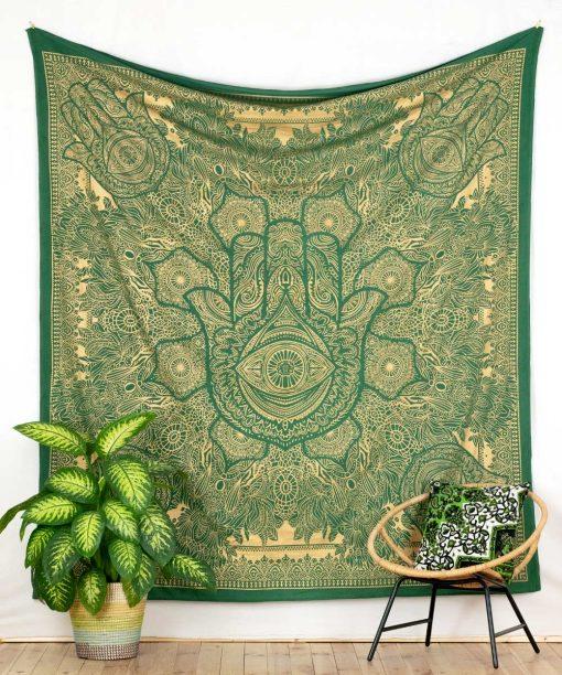 Grünes Wandtuch mit Fatimas Hand in goldener Farbe