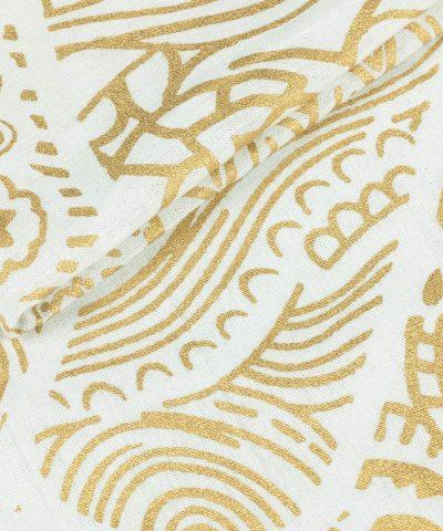 Weißes Wandtuch mit Fatimas Hand in goldener Farbe