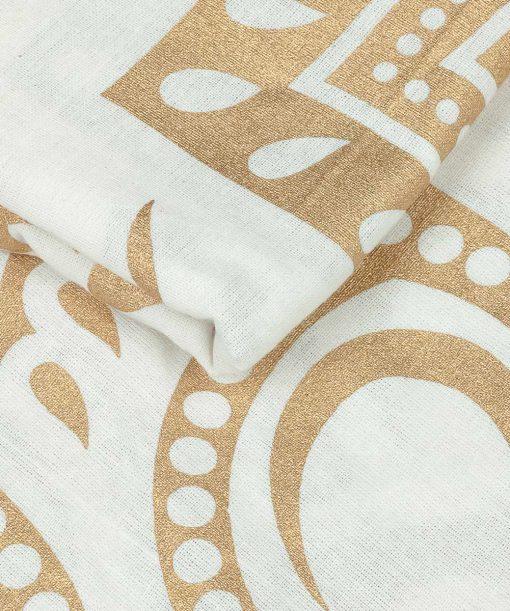 Wandtuch mit goldener Lotusblüte auf Stoff in weiß