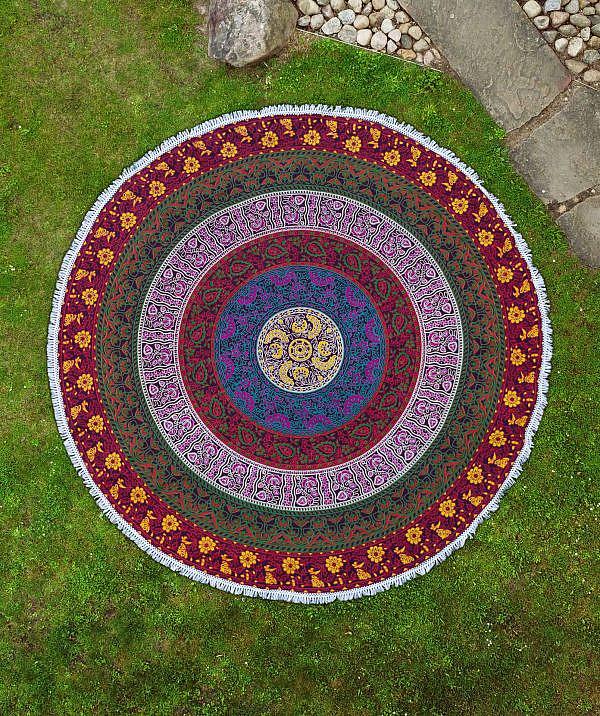 Rundes Strandtuch mit Blumen Mandala in bunt