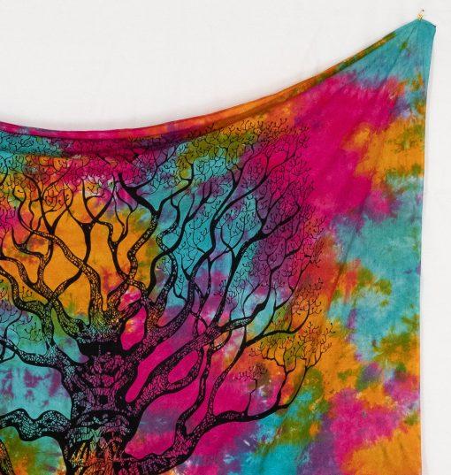 Buntes batik Wandtuch mit Weltenbaum