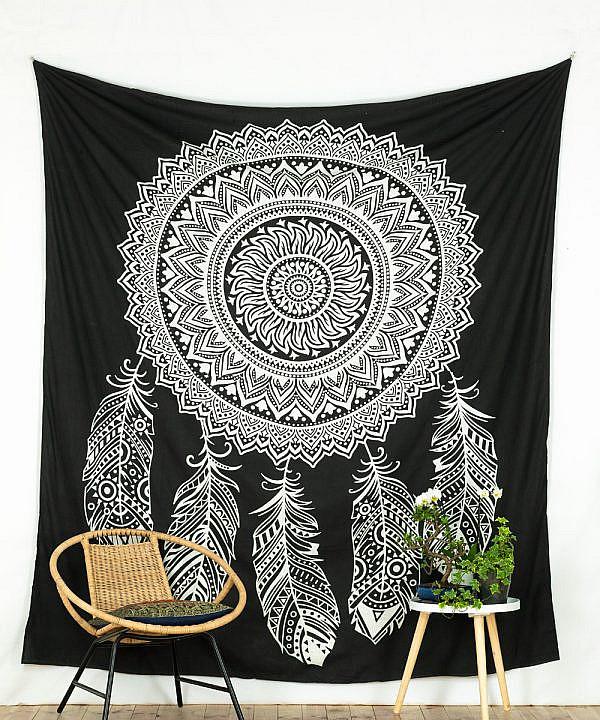 Großes Wandtuch mit Traumfänger in schwarz und weiß
