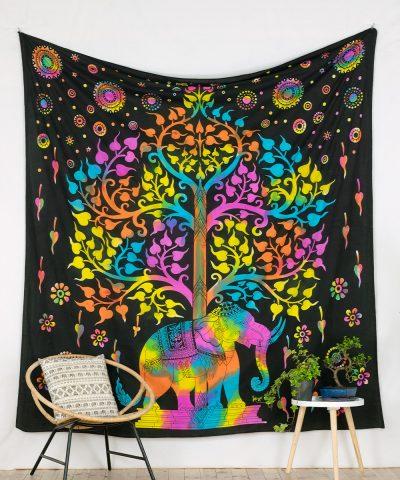 Großes Wandtuch Lebensbaum und Elefant batik bunt.