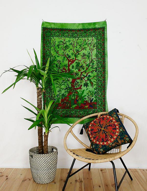 Kleines Wandtuch Lebensbaum batik grün