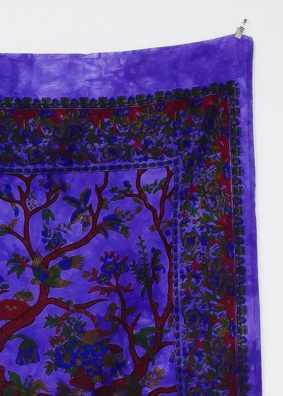 Kleines Wandtuch mit Lebensbaum in batik lila