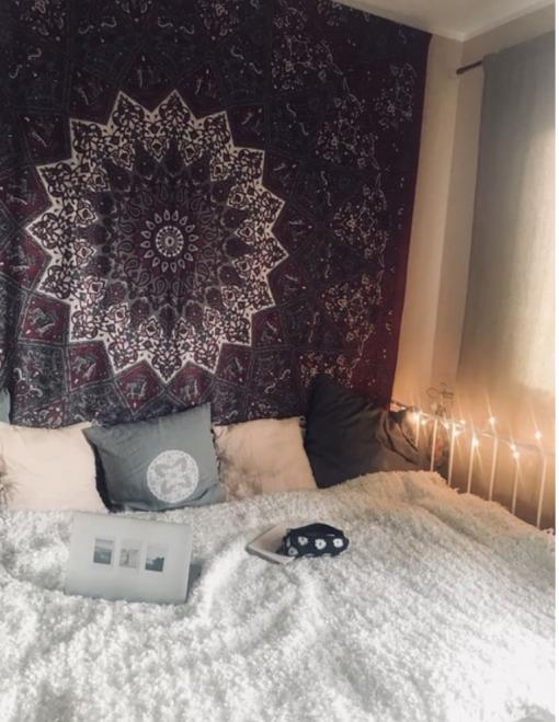 Wandtuch mit Stern Mandala in dunkelrot grau