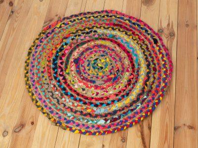 Flickenteppich rund, aus Jute und Baumwolle