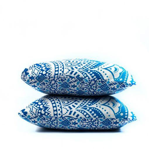 Blaue Mandala Kissen mit weißen Bommeln, 2 Stück