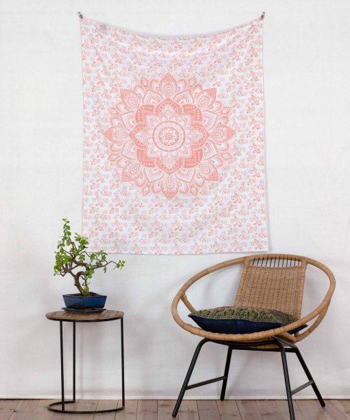 Kleiner Wandbehang mit Lotusblüte in rosé Gold