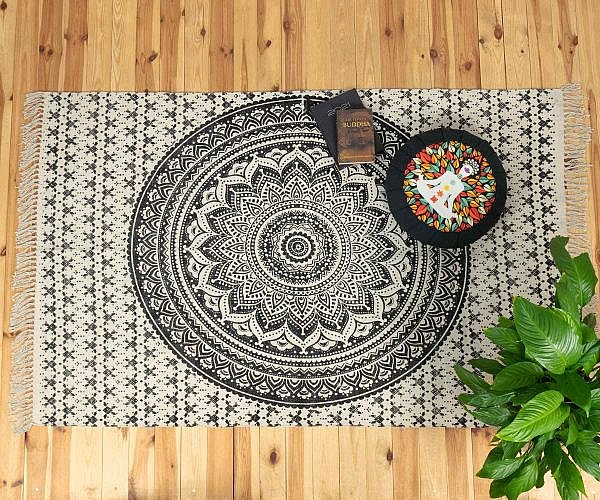 Yoga Teppich Ombre Mandala schwarz - groß ca. 120x200 cm