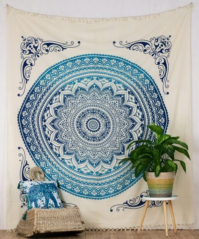 Indische Tagesdecke mit Ombre Mandala in blau